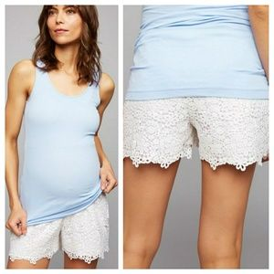 A Pea in the Pod Lace Maternity Shorts, XS
